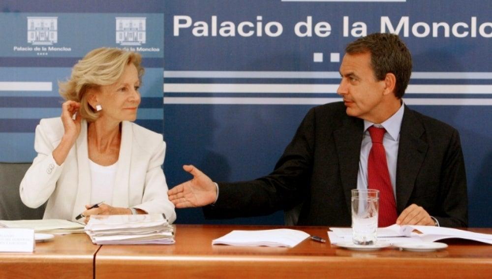 Elena Salgado comparece junto a Zapatero