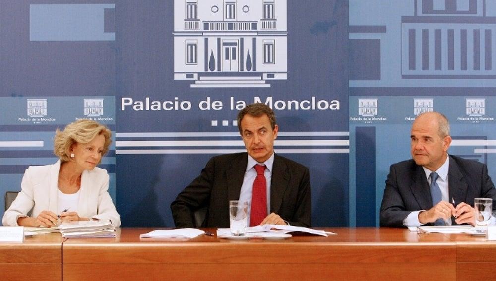 Elena Salgado, José Luis Rodríguez Zapatero, Manuel Chaves comparecen en la Moncloa