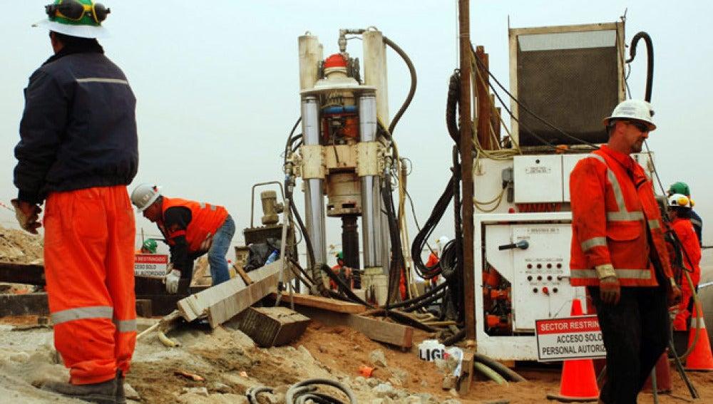 Las obras de rescate de los mineros chilenos