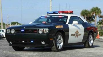 Un coche de Sheriff