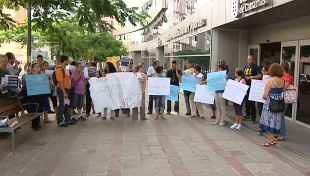 Concentraciones ante la Consejería de Educación en Tenerife