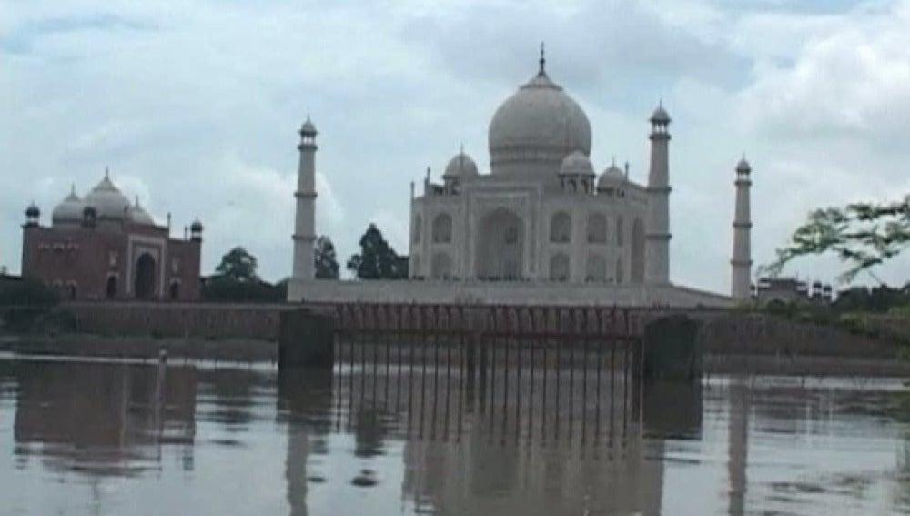 El Taj Mahal en peligro de inundación