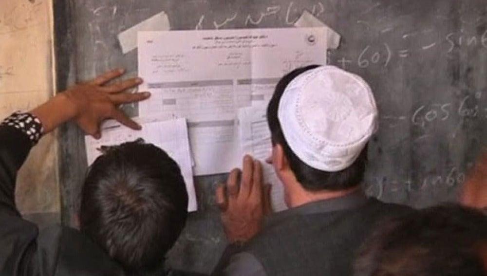 Votantes afganos