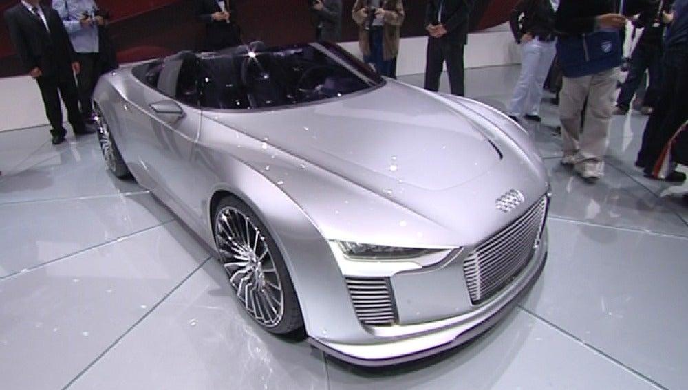 Coche de lujo en el Salón del Automóvil de París