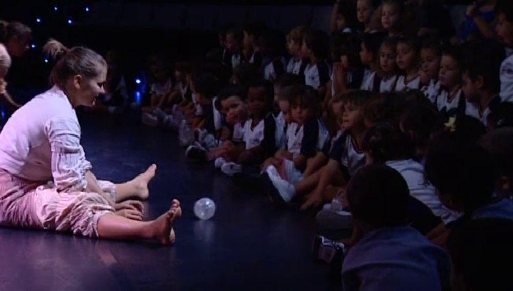 El auditorio ofrece un espectáculo de danza dirigido a niños de 0 a 3 años