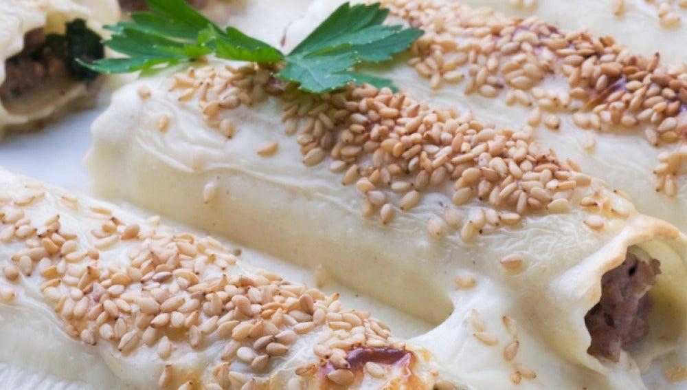 Canelones de carne rellenos de queso fresco y espinacas