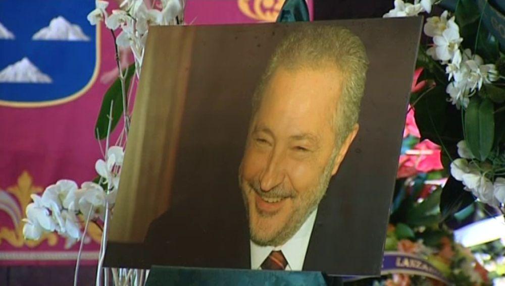 Cientos de personas despiden al que fuera presidente del Gobierno de Canarias