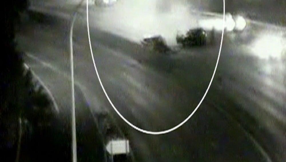 Choca con otro vehículo cuando circulaba en sentido contrario