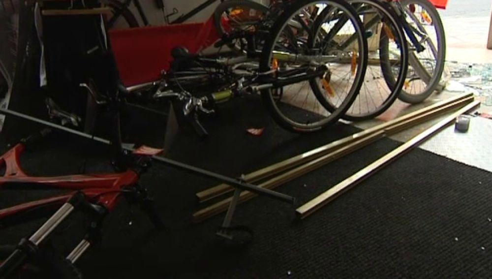 """Se llevan bicicletas de competición con el método del """"alunizaje"""""""