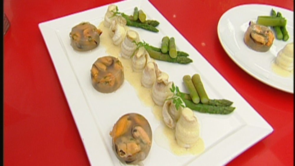 Popietas de lenguado con salsa de cava y gelatina de mejillones