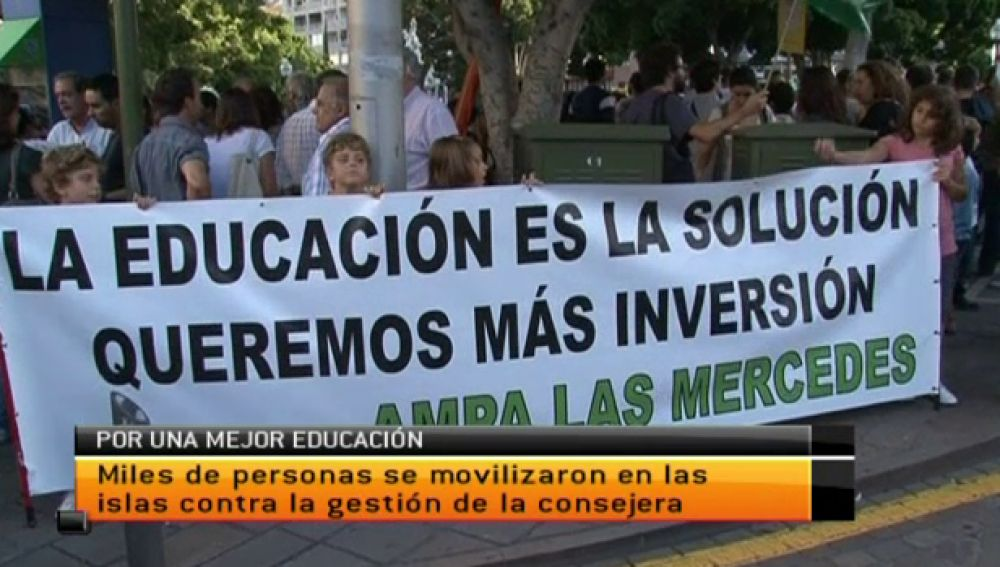 Padres, profesores y alumnos claman por una educación pública de calidad