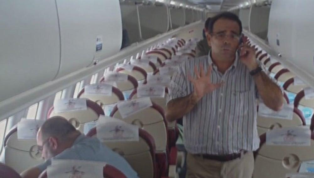 Luis Socorro no pudo bajar del avión en El Aaiún