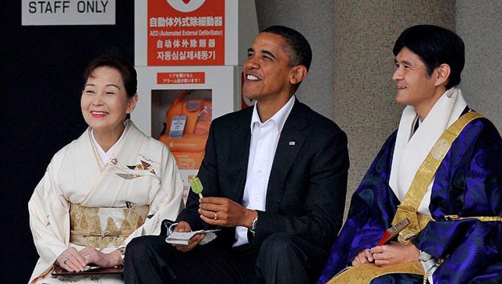 Obama disfruta un polo de té verde