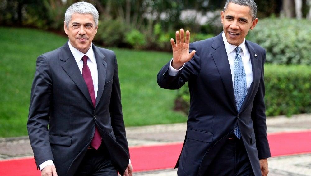 Barack Obama junto al presidente portugués José Socrates