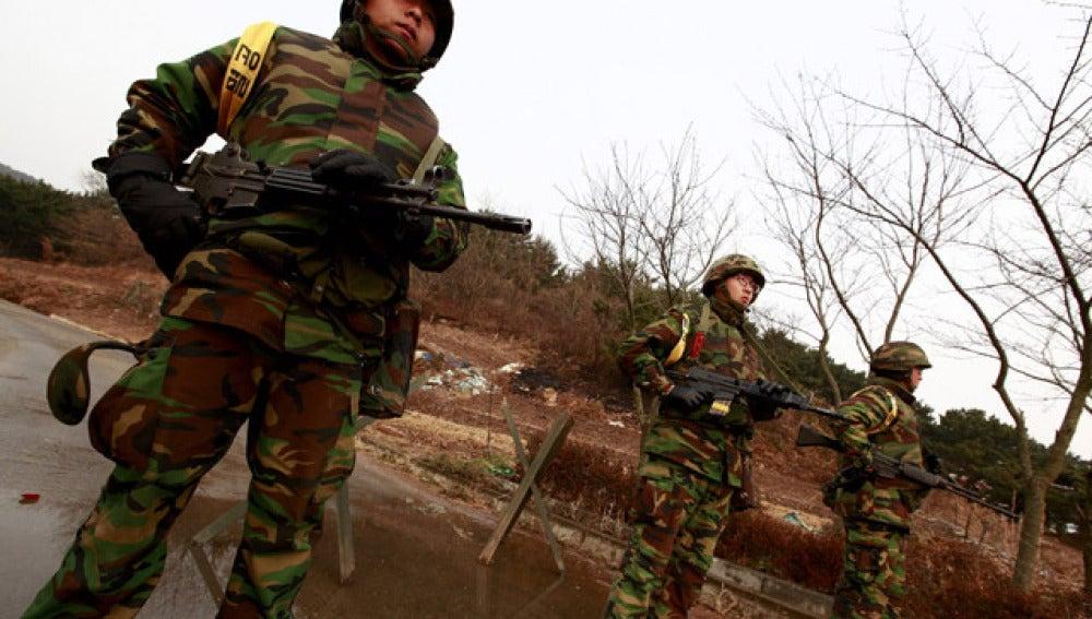 Soldados surcoreanos durante su entrenamiento