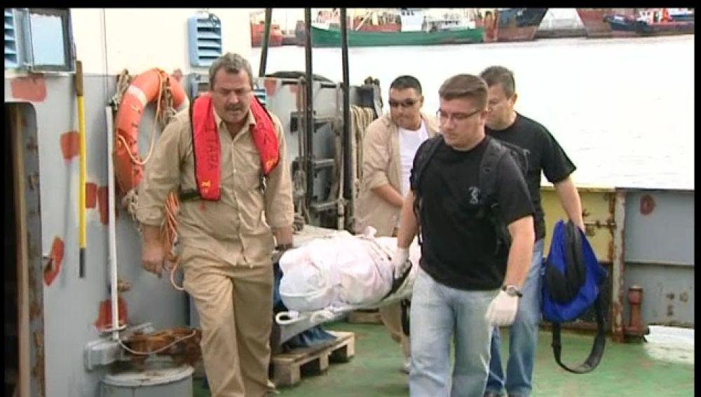 Llega a Canarias el cuerpo del navegante británico que naufragó