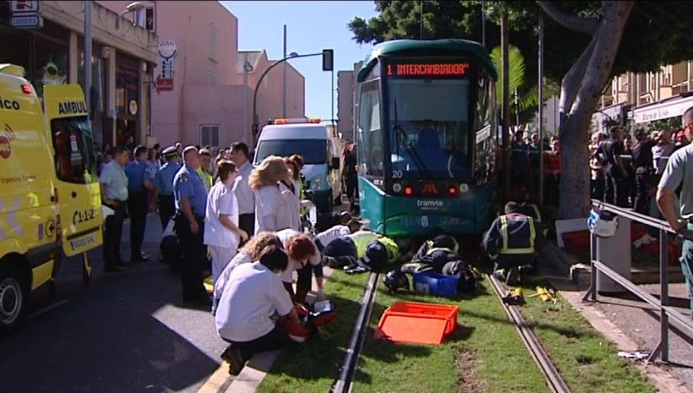 Un tranvía atropelló a un hombre en Santa Cruz de Tenerife