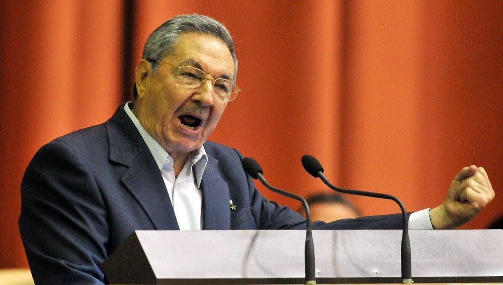 """Castro: """"O rectificamos o nos hundimos"""""""