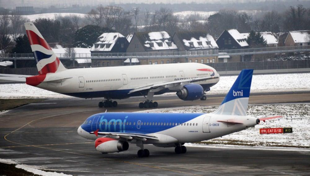 Aviones en la nieve