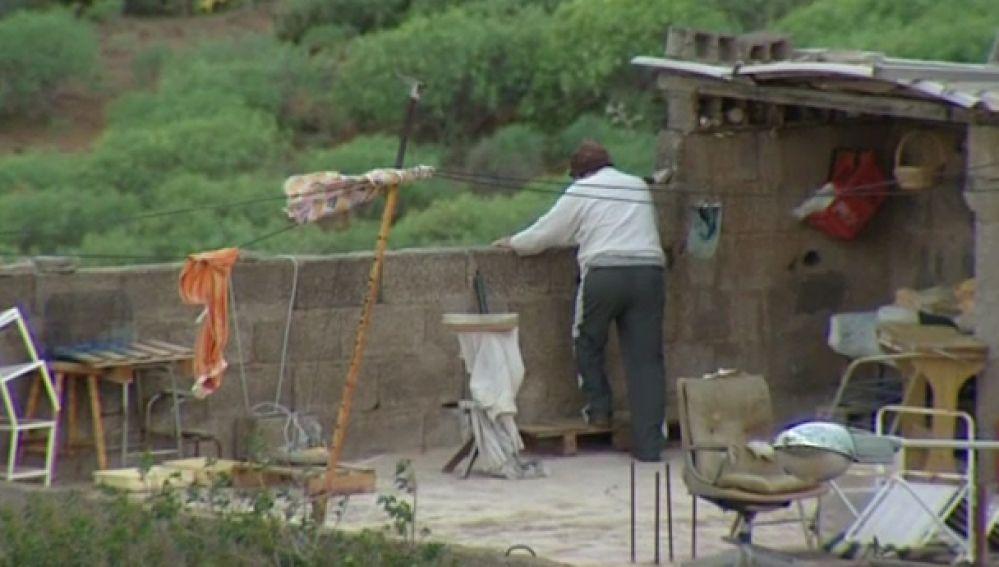 Un octogenario atemoriza a sus vecinos con una escopeta