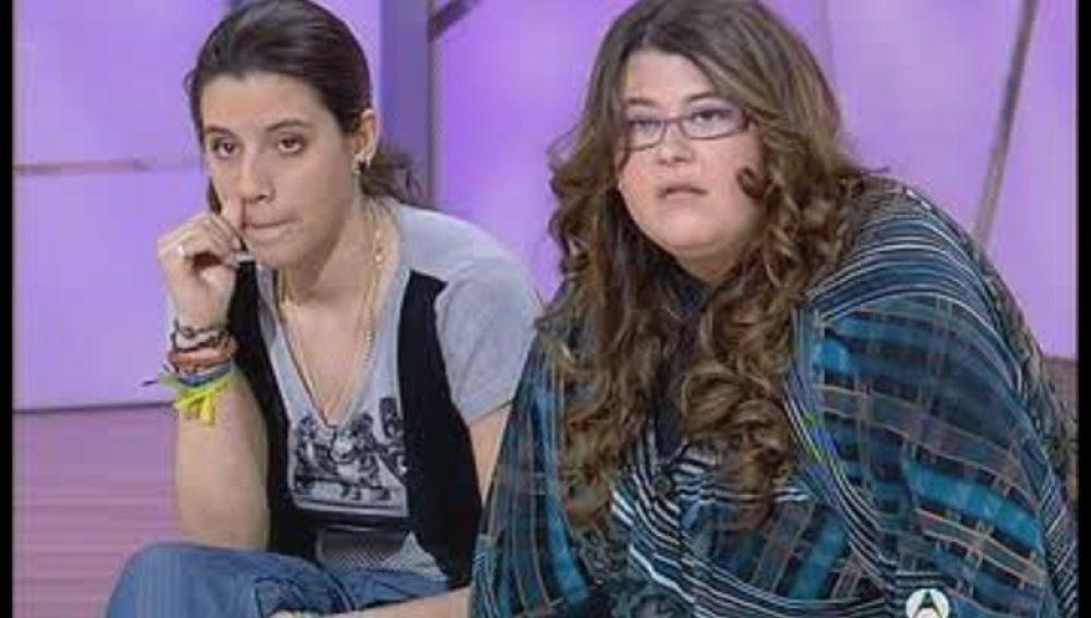 Tres mujeres quieren demostrar que es un farsante