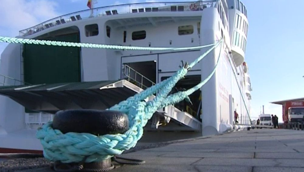 Un barco unirá Canarias con península en 28 horas