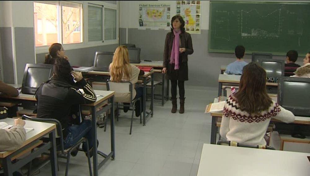 El sueldo de los profesores extremeños aumentará dependiendo de los sobresalientes de sus alumnos