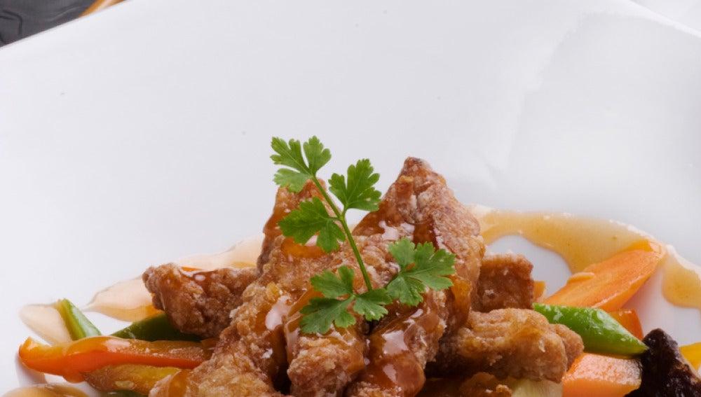 Cerdo con verduras y salsa agridulce