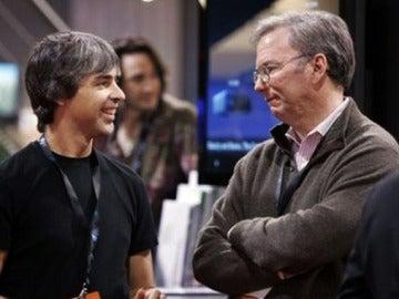 Larry Page con Eric Schmidt, cofundadores de Google