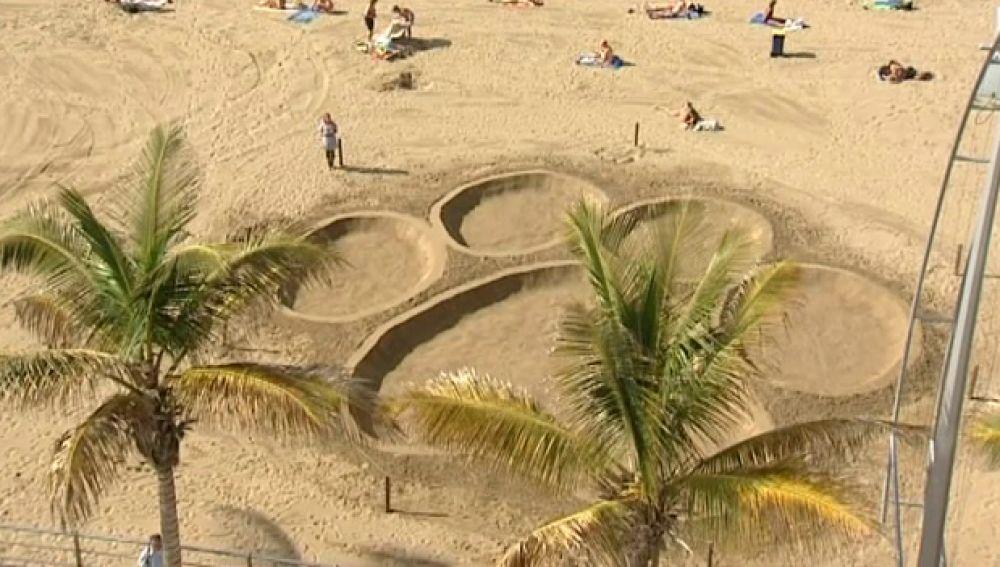 La huella de Can Kong llega a la playa de Las Canteras