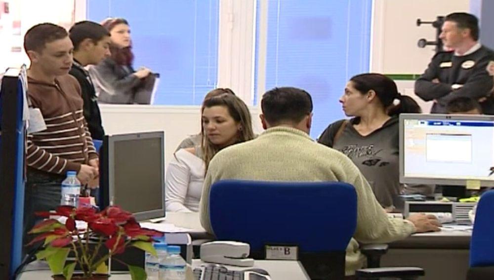 Los parados de larga duración podrán cobrar 350 euros y recibir formación