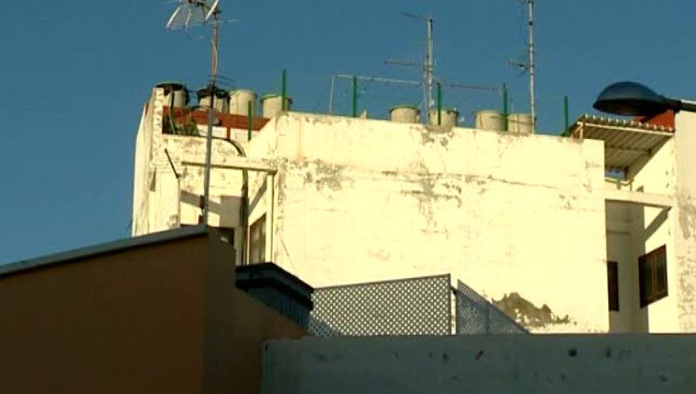 Un niño de 9 años sobrevive milagrosamente a una caída de más de 15 metros