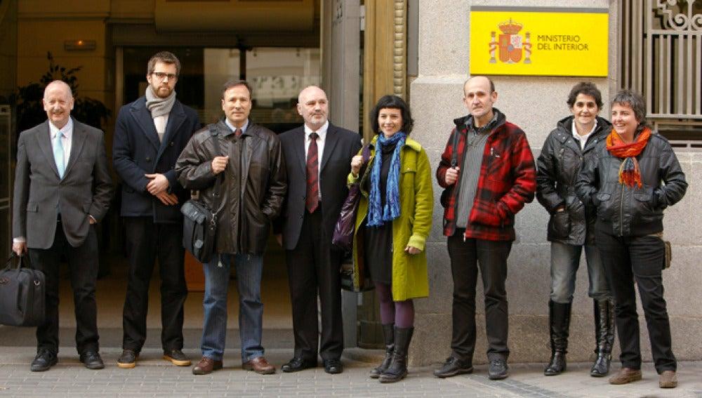 Los promotores de Sortu ante el ministerio del Interior