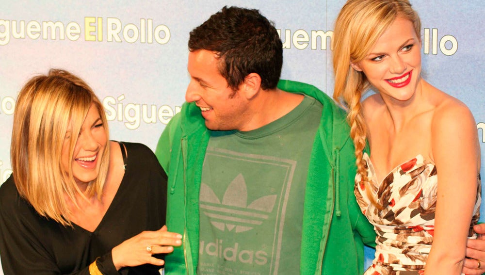Jennifer Aniston, Adam Sandler y Brooklyn Decker