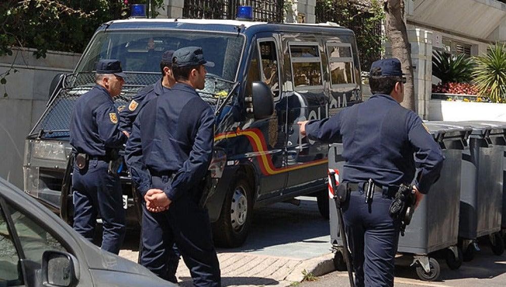 La policía registra la sede de Unió Mallorquina