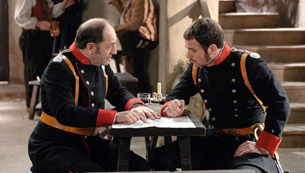 Morales y Miguel charlando en la taberna de Pepe