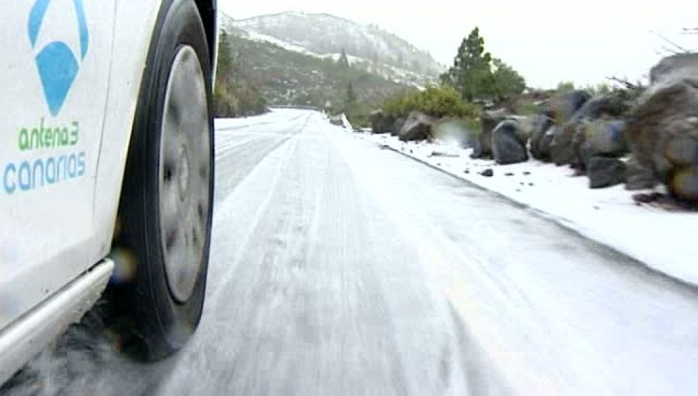 Las mejores imágenes de la nevada y granizada caída hoy en las islas