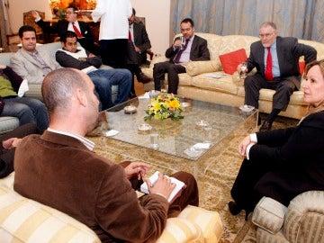 La ministra de exteriores, con la Coalición de Jóvenes 25 de enero.