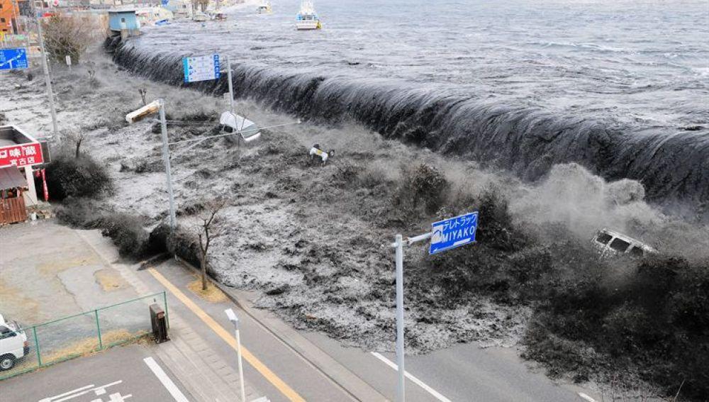 Japón sufre el desastre natural más impactante de su historia (14-03-2011)