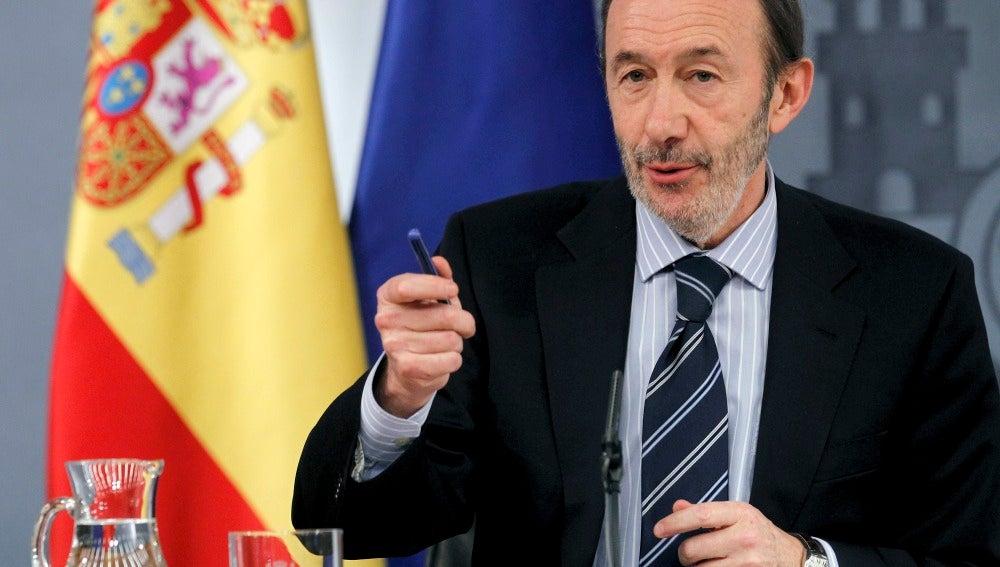 Rubalcaba en rueda de prensa del consejo de Ministros