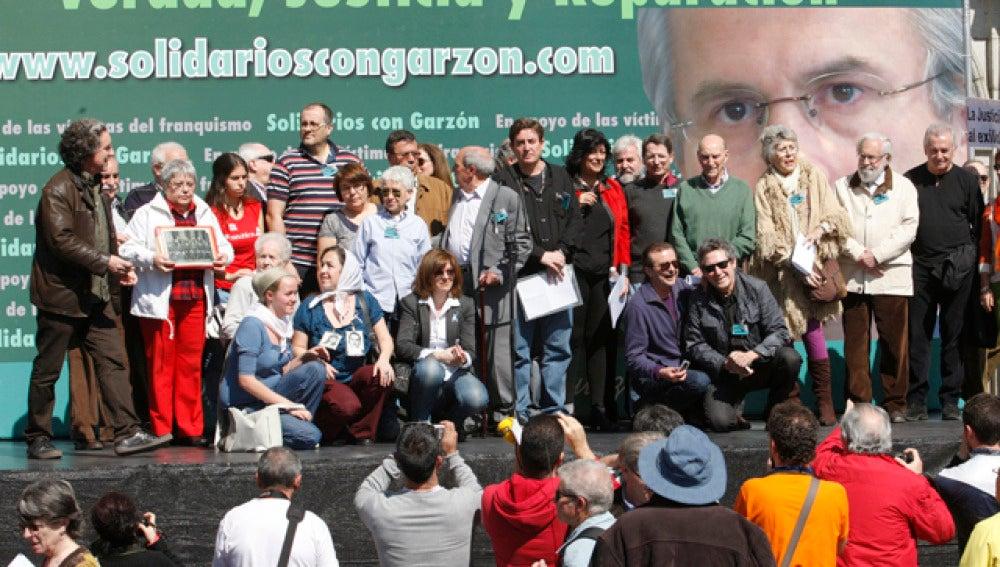 """Sindicatos, artistas e IU apoyan a Garzón frente a la """"persecución"""" del Tribunal Supremo"""