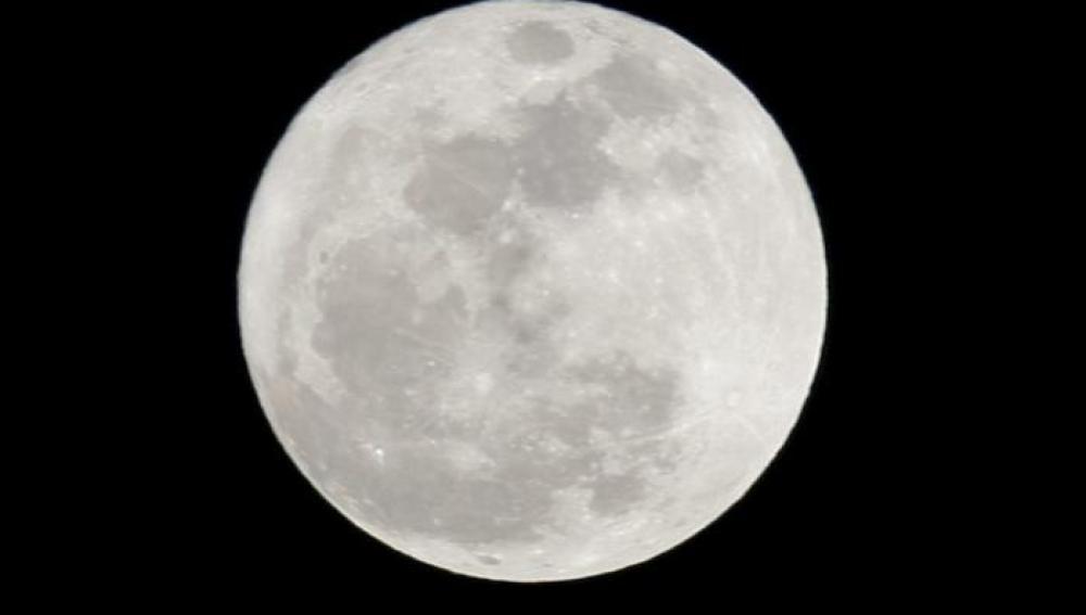 La Luna, espectacular desde Canarias