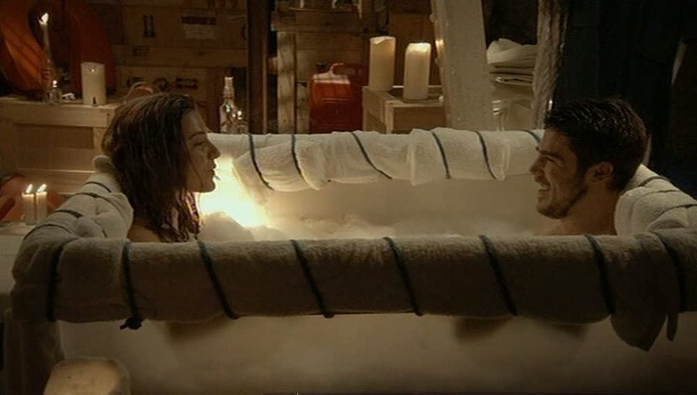 Piti le fabrica una bañera a Vilma