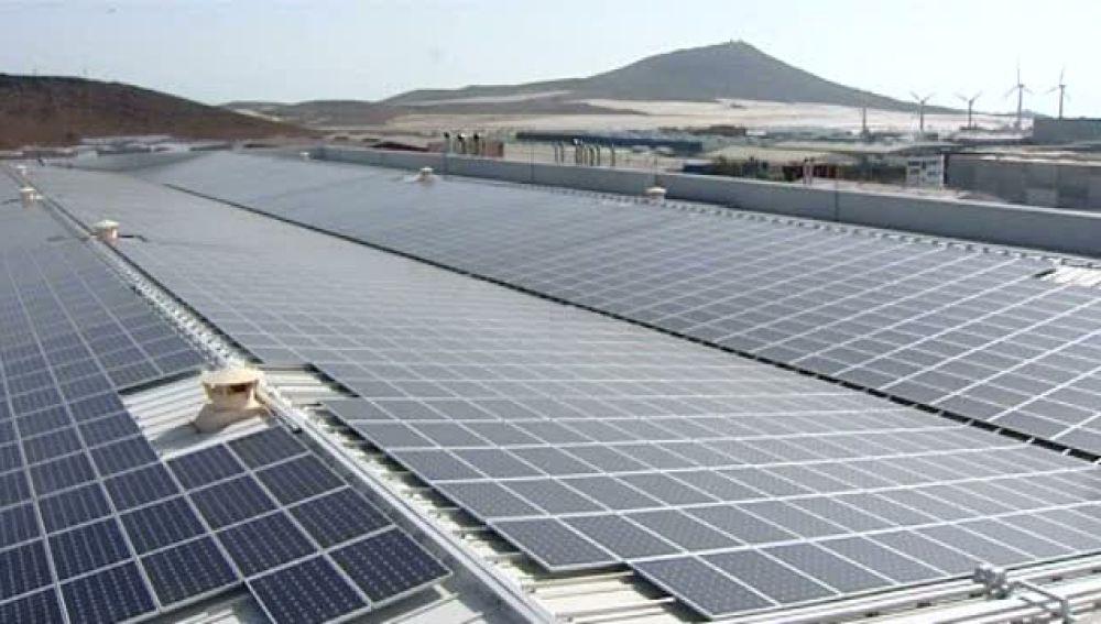Esta planta fotovoltáica inaugurada esta mañana podrá dar energía a 800 hogares