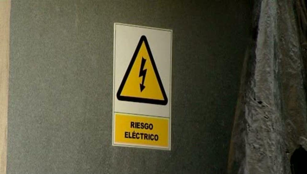 En peligro tras intentar robar cobre en una caseta de electricidad