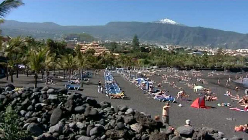 El turismo de pulsera llena los hoteles canarios