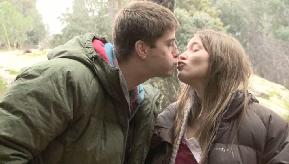 El beso de Sandra y Culebra