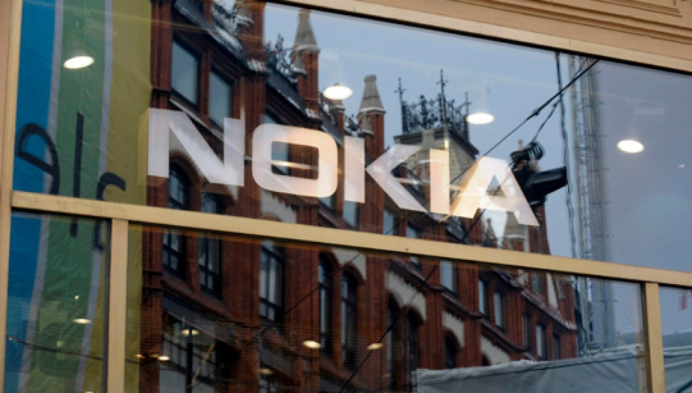 La cuota de mercado de teléfonos inteligentes de Nokia ha caído bruscamente.