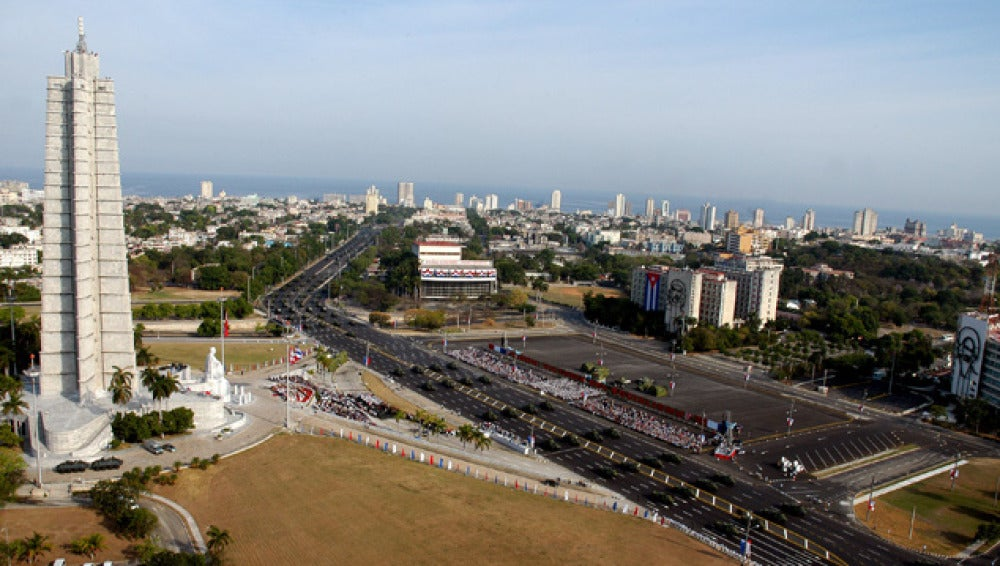 En Cuba residen 75.433 españoles en 2011.