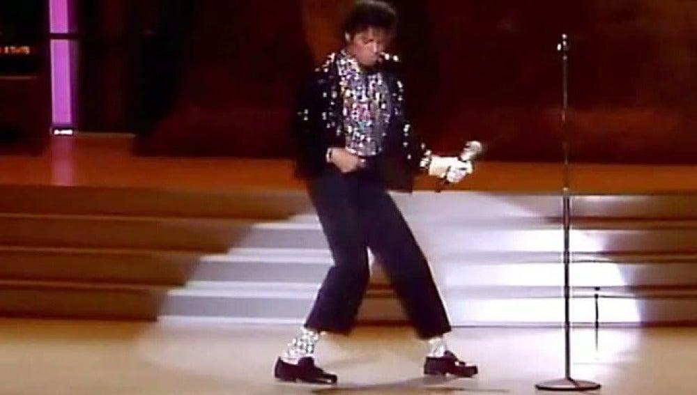 Michael Jackson bailando
